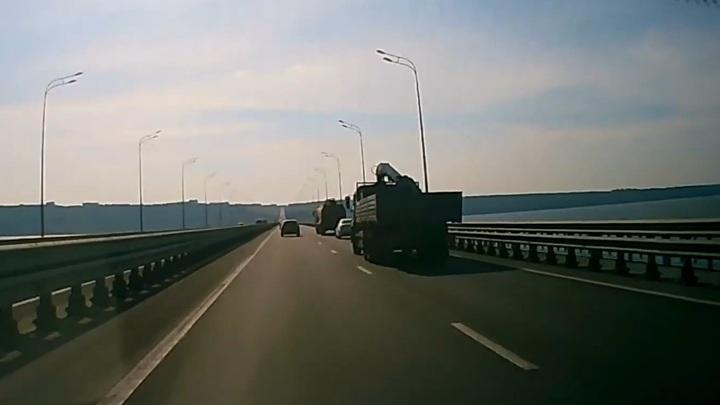 Момент смертельного ДТП на мосту в Ульяновске попал на видео