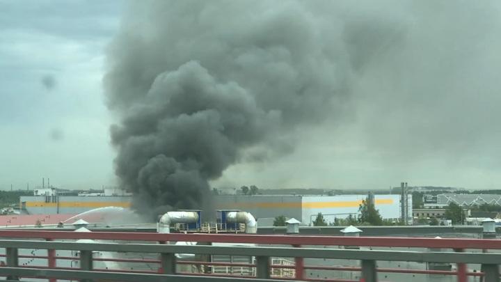 Пожар в ангаре Санкт-Петербурга локализован