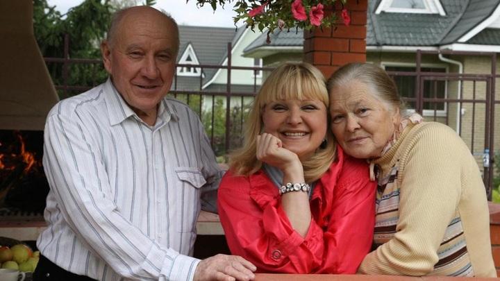 Маргарита Суханкина с родителями (Фото из https://www.instagram.com/margarita.sukhankina/)
