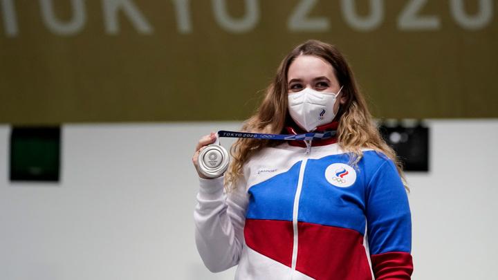МОК разрешил медалистам Олимпиады снимать маски на награждении