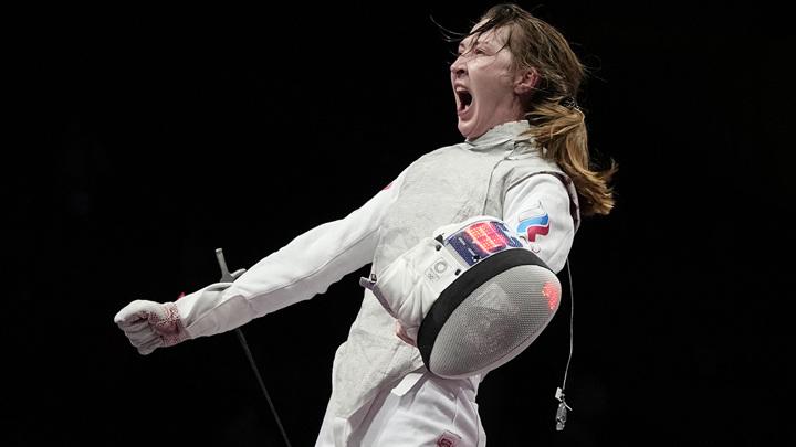 Российская рапиристка Коробейникова выиграла бронзу на Олимпиаде