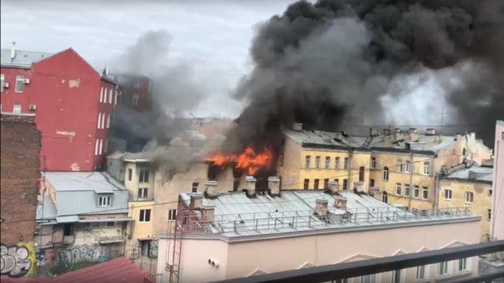 Пожару в центре Петербурга присвоен третий ранг сложности из пяти