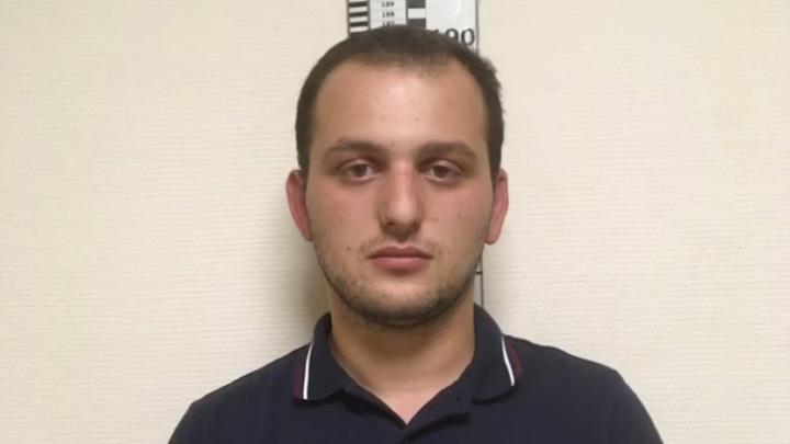 В Петербурге водитель кабриолета устроил драку и был задержан. Видео