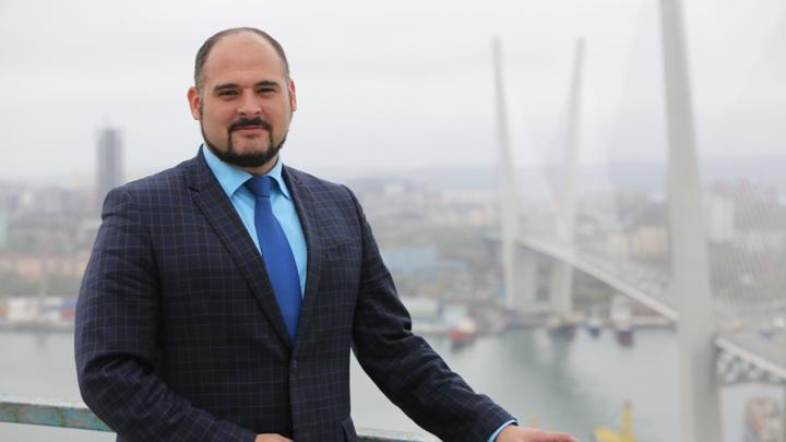 На пост и.о. мэра Владивостока утвержден Константин Шестаков