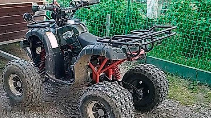 В Свердловской области мужчины украли квадроцикл и умчались в закат