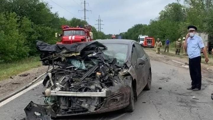 В страшной аварии под Самарой погибли 3 человека