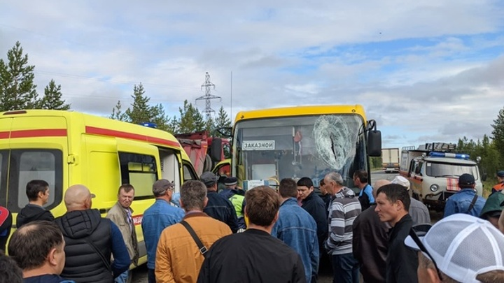 Пункт назначения. На Ямале водителя автобуса убило отлетевшей с улицы монтировкой