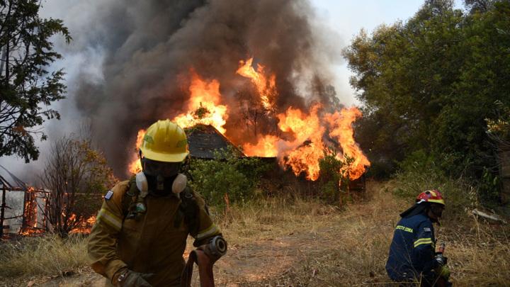 Пожары в Греции: эвакуированы детские лагеря