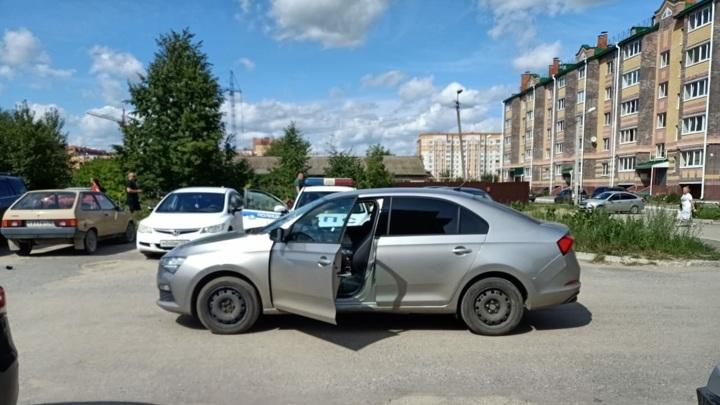 В Йошкар-Оле 2-летний ребенок попал под колеса автомобиля