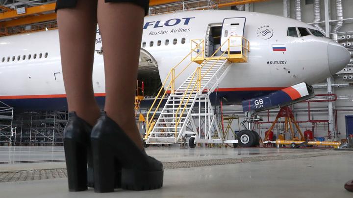 Минтруд разрешил женщинам работать авиамеханиками
