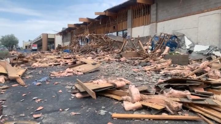 Фасад супермаркета в Лас-Вегасе обрушился на людей