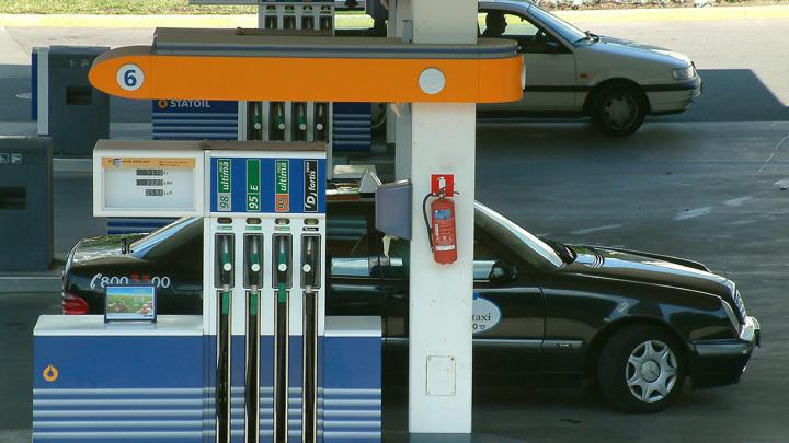 Бензин на АЗС дорожает вторую неделю подряд