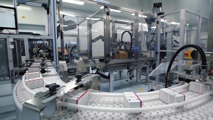 В России запустили производство вакцины от коронавируса AstraZeneca