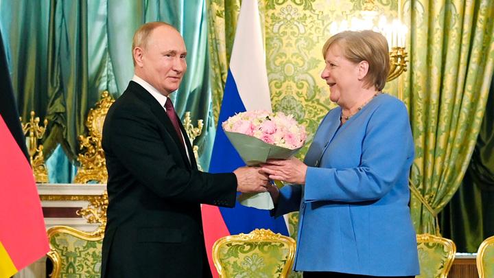 Меркель знала о разногласиях с Путиным еще 20 лет назад