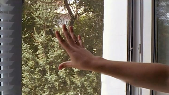Прохожий поймал выпавшего из окна младенца в Уфе