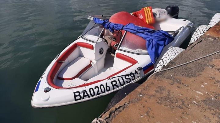 В Крыму из-за гибели мужчины под катером завели уголовное дело