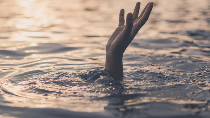 8-летний ребенок утонул во время купания в реке в Новосибирской области