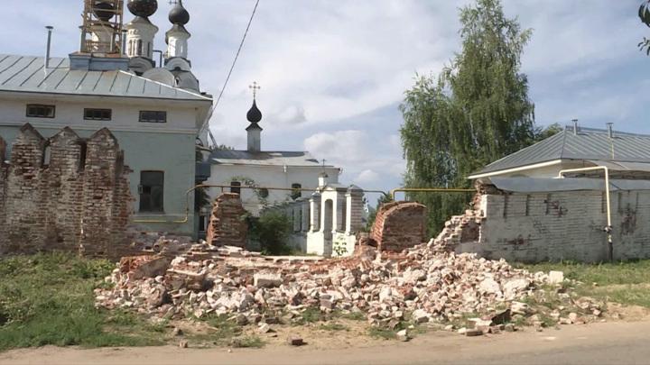В Муроме обрушились стены двух монастырей