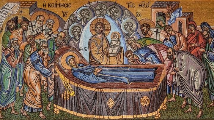 Православные России отмечают Успение Богородицы