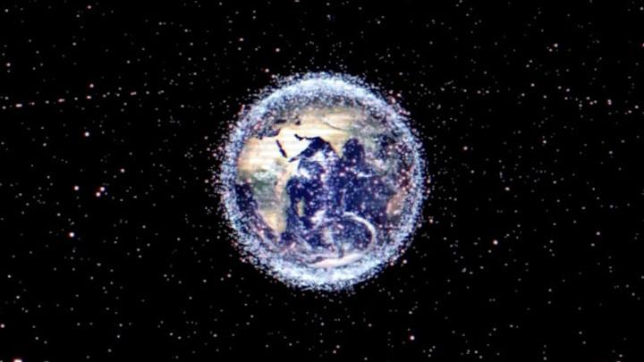 Частный аппарат провёл уборку на орбите Земли