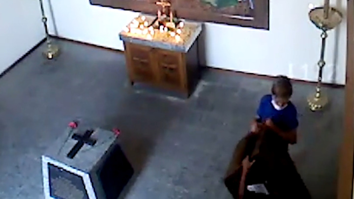 Попытка детей ограбить часовню в севастопольском музее попала на видео