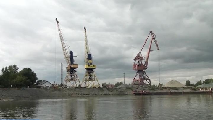 В акватории Оби в Алтайском крае углубляют дно
