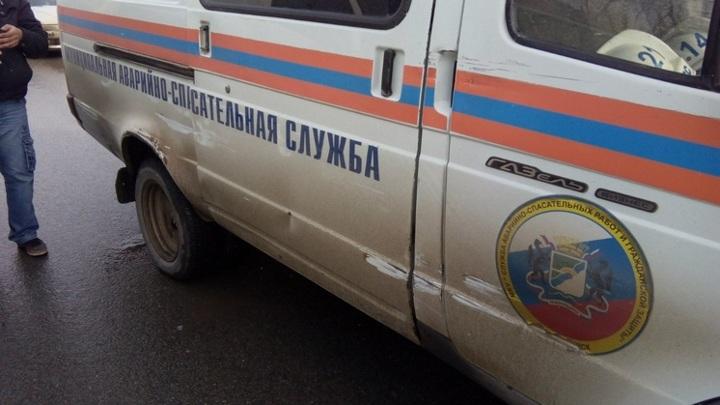 Новосибирские спасатели помогли мужчине, упавшему с моста