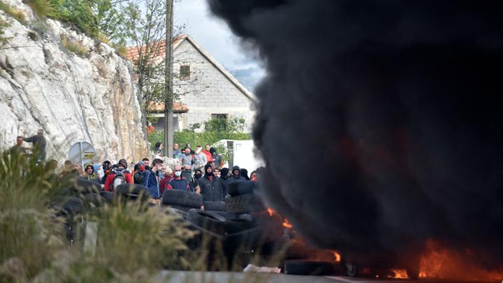 20 полицейских пострадали в ходе протестов в Черногории