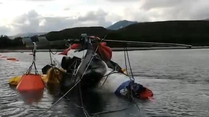 Самописец вертолета из Курильского озера передали МАК