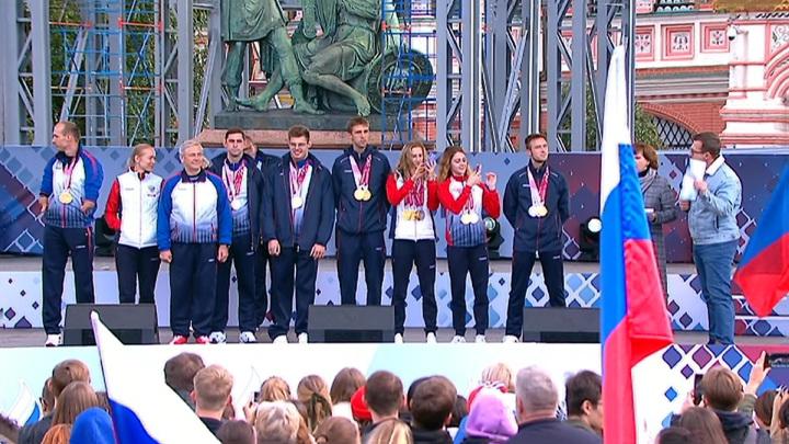 Из Токио вернулись российские паралимпийцы