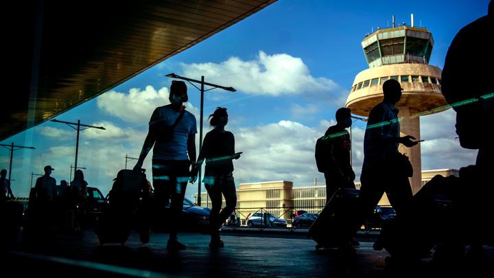 Стало известно, когда возобновится авиасообщение с Испанией