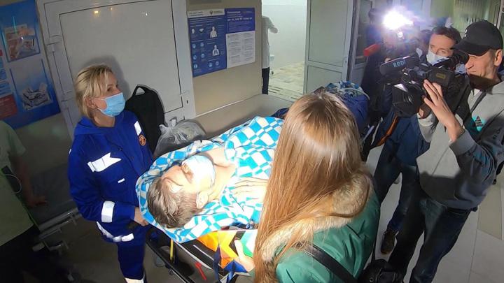 Получившего тяжелые травмы пилота L-410 готовят к операции