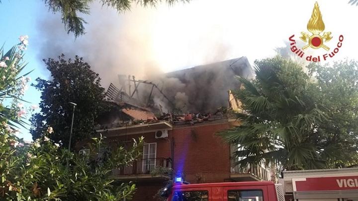 В Риме взрывом газа разнесло два этажа жилого дома