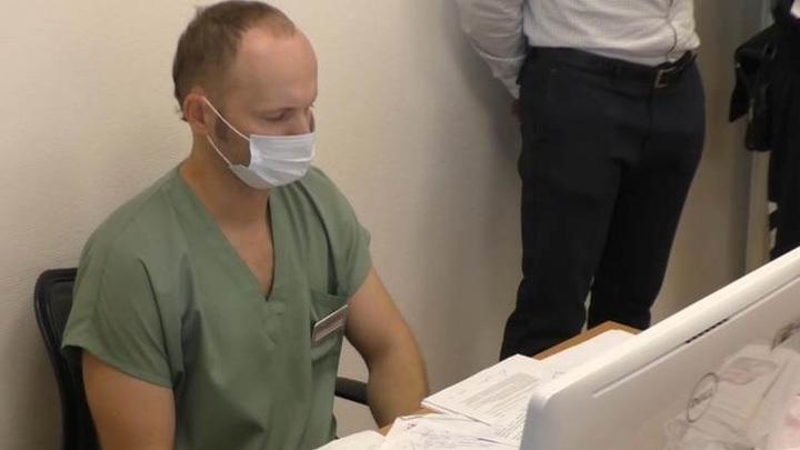 В Новосибирске главврач приглашал иностранцев под видом лечения