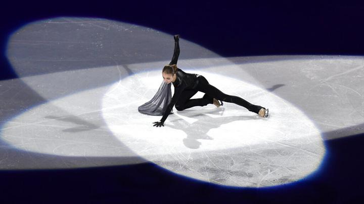 Трусова лидирует после короткой программы на турнире в США