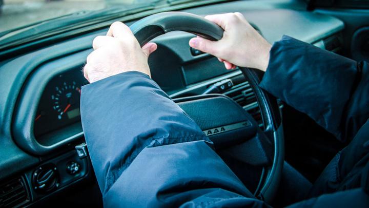 Молодой томич угнал припаркованную у дома машину в Новосибирске