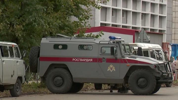 Героически погибшие охранники: очевидцы рассказали, что убийцу пытались остановить