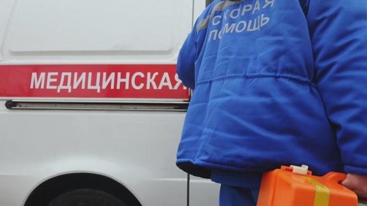 Житель Омска ранил водителя скорой кухонным ножом
