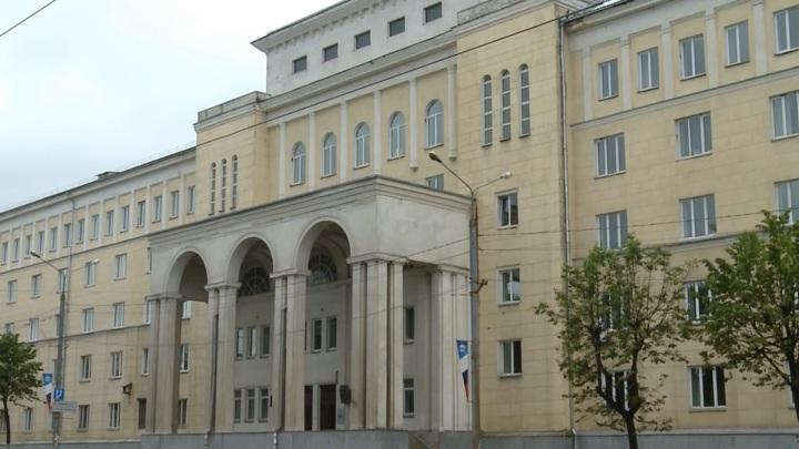 Взятка за зачет: мать смоленской студентки приговорили к условному сроку