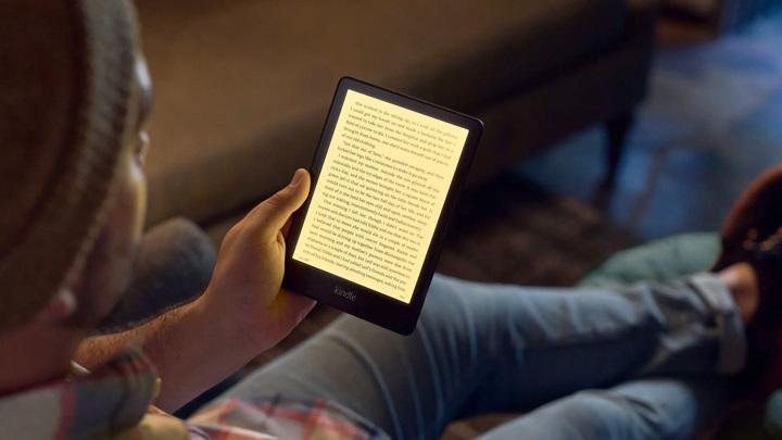 Amazon добавила в Kindle беспроводную зарядку и USB-C