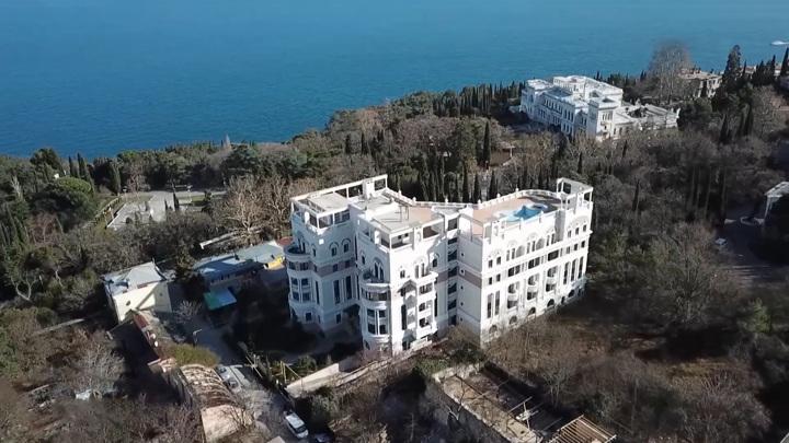 Зеленский перестал оплачивать коммунальные счета за квартиру в Крыму