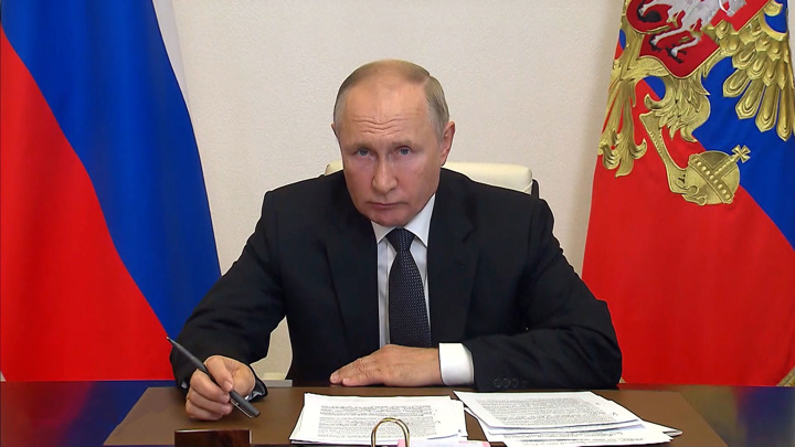 Владимир Путин указал главе Марий Эл на проблемы региона