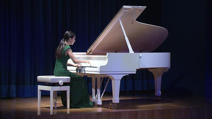 Пианистка Александра Довгань выступила с сольным концертом в Москве