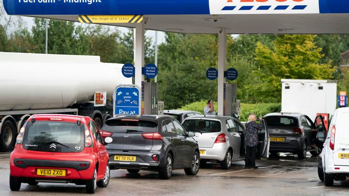 Дефицит бензина в Британии: рынок придет в норму в ближайшие дни