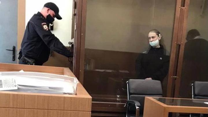 К пяти годам приговорена женщина за попытку продажи 13-летней дочери