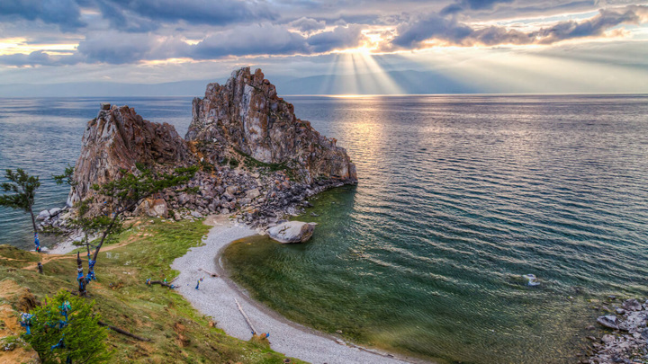 Уровень воды в Байкале продолжает расти