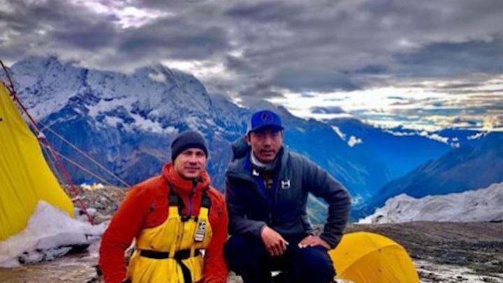 Покорил вершину горы Манаслу на руках: новый подвиг параспортсмена из Уфы