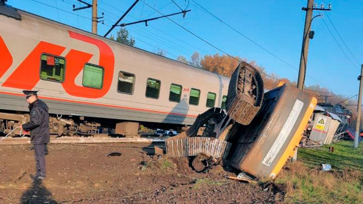 Идет проверка по факту столкновения поезда и грузовика в Пензенской области