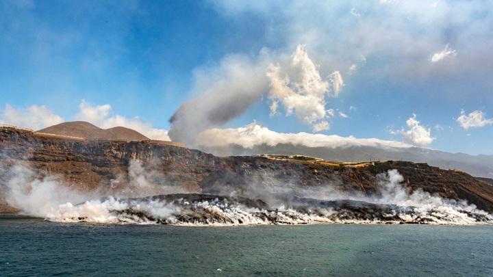 Испания выделит 200 млн на ликвидацию последствий извержения вулкана на Канарах