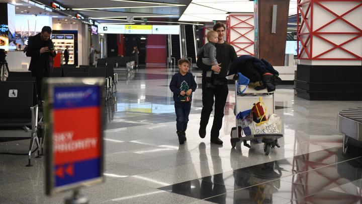 Вступил в силу новый порядок выезда детей за границу